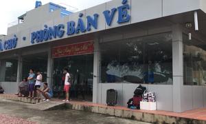 2.500 du khách kẹt trên đảo Cô Tô do ảnh hưởng của bão Sơn Tinh