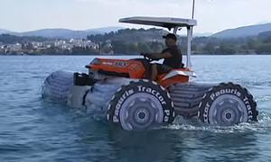 Máy kéo lai thuyền có thể chạy trên mặt nước