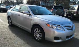 Định giá Toyota Camry LE 2010?