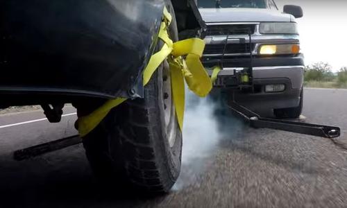Thiết bị trói bánh giúp truy bắt xe tốc độ cao ở Mỹ