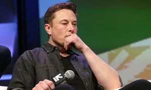 Cổ đông đòi Elon Musk xin lỗi thợ lặn giải cứu đội bóng Thái Lan