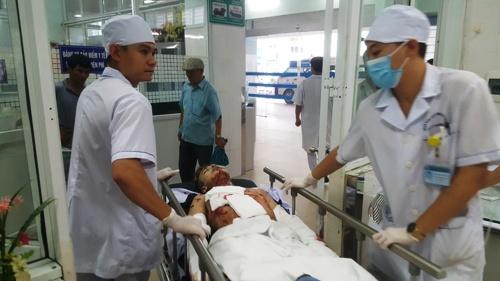Bình gas mini phát nổ khiến Nguyễn Văn Bình vỡ nồng ngực, mất bàn tay. Ảnh: Giang Chinh