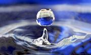 Lực tác động khiến giọt nước trong không khí có hình cầu