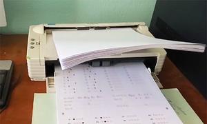 Hai thanh tra vắng mặt khi quét bài thi trắc nghiệm ở Hà Giang