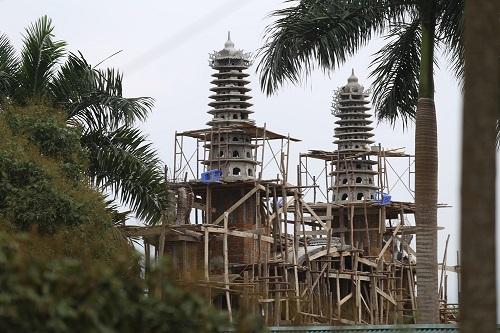 Hà Nội huy động 500 người cưỡng chế cung điện thờ thiên - 1