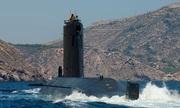 Tàu ngầm Tây Ban Nha không vào được căn cứ vì quá dài