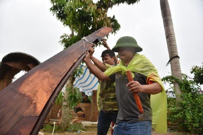 Hiện trường tháo dỡ 'cung điện thờ thiên' ở Hà Nội