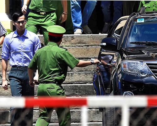 Nguyen William Anh sau phiên xử. Ảnh: Đức Anh
