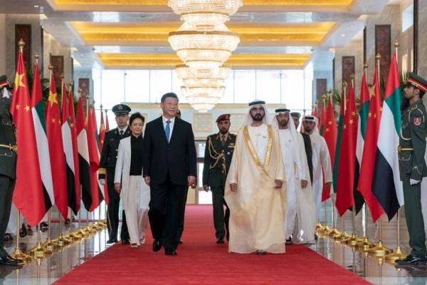 Chủ tịch Trung Quốc Tập Cận Bình và Hoàng thái tử thủ đô UAE Sheikh Mohammed bin Zayed. Ảnh: Twitter.