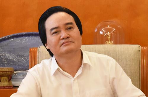 Bộ trưởng Phùng Xuân Nhạ chỉ đạo tại cuộc họp chiều nay. Ảnh: Truyền thông Bộ Giáo dục.
