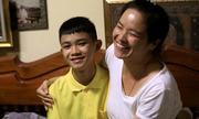 Thủ quân đội Lợn Hoang đón sinh nhật muộn cùng gia đình