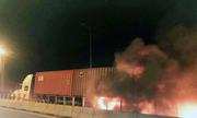Ôtô tông xe container trên cao tốc Long Thành, 2 người chết