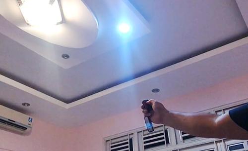 Hệ thống đèn được điều khiển từ xa. Ảnh: Quốc Thắng.