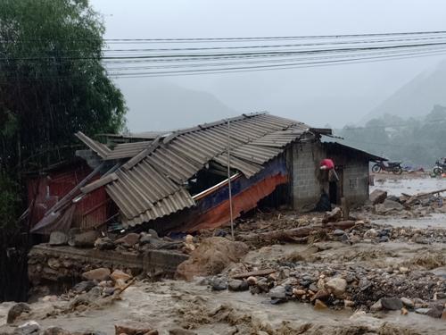 Nhiều tỉnh Bắc Bộ, Bắc Trung Bộ đang bị thiệt hại nặng do mưa lũ. Ảnh: Giàng A Lù.