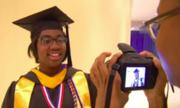 Nữ sinh Mỹ tốt nghiệp đại học ở tuổi 12