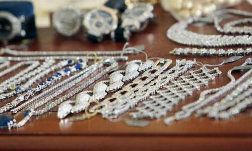 Băng trộm người Serbia đã tiến hành hàng trăm vụ cướp trang sức tại nhiều nước. Ảnh: AFP.