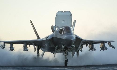 Tiêm kích F-35B hoạt động trên tàu đổ bộ USS America của Mỹ. Ảnh: Business Insider.