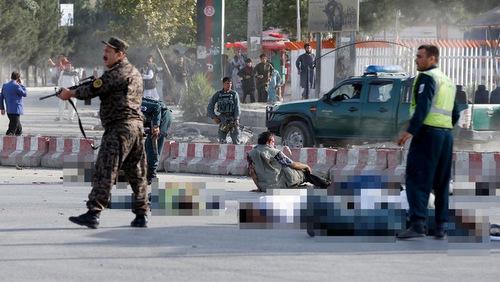 Hiện trường vụ đánh bom tại Kabul hôm 22/7. Ảnh: Reuters.