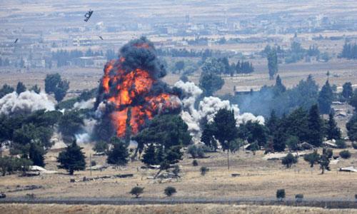 Một cuộc không kích của Nga nhắm vào mục tiêu IS ở tỉnh Quneitra hôm 22/7. Ảnh: Reuters.