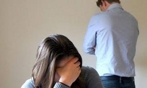Bị chồng đánh tôi có nên ly hôn