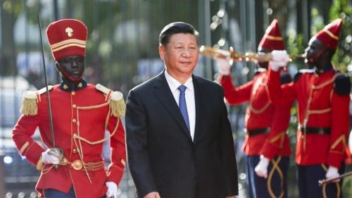 Chủ tịch Trung Quốc Tập Cận Bình trong chuyến thăm Dakar, Senegal. Ảnh: Reuters.