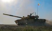 Trung Quốc trưng bày xe tăng, pháo phản lực khi tổ chức giải đấu quân sự