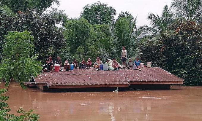 Biển nước nhấn chìm làng mạc Lào sau sự cố vỡ đập thủy điện