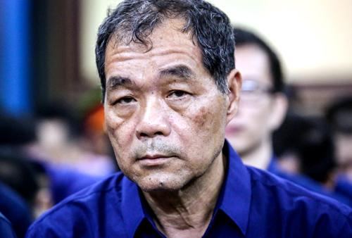 Ông Trầm Bê trước phiên xử. Ảnh: Thành Nguyễn.