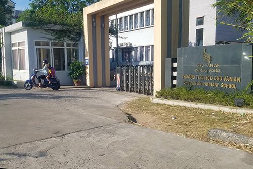Trường Chu Văn An thừa nhận buộc giáo viên thông báo trước 60 tháng nghỉ việc là để gắn kết, đảm bảo quyền lợi cho học sinh. Ảnh: QN
