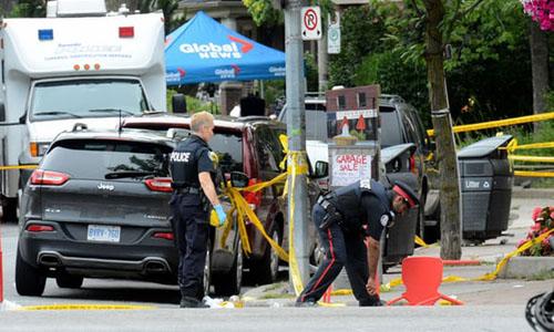 Cảnh sát Toronto tại hiện trường vụ xả súng. Ảnh: AFP.