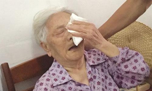 Bà Peng Renshou, 94 tuổi, bị bắt làm nô lệ tình dục từ năm 14 tuổi. Ảnh: Handout.