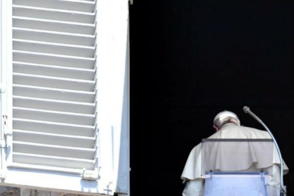 Giáo hoàng Francis chấp nhận đơn xin từ chức của 5 giám mục Chile. Ảnh: AFP.
