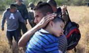 Mỹ có thể đã trục xuất 463 bố mẹ nhập cư bị chia cắt với con