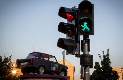 Đèn giao thông với hình người đàn ông đi bộ đặc trưng ở Đức. Ảnh:Washington Post.