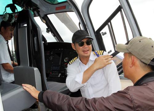Tập đoàn HAGL thuê trực thăng giải cứu 26 người mắc kẹt. Ảnh: A.Hoá