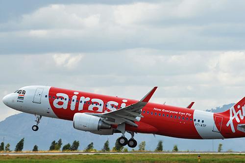 Một máy bay của hãng AirAsia. Ảnh: AFP