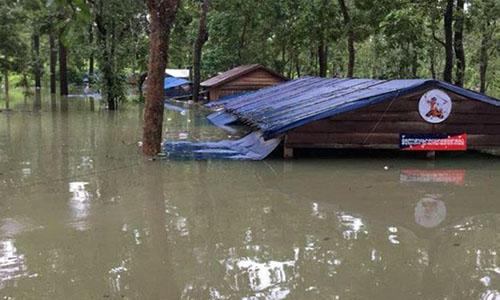 Nước lũ từ Lào tràn sang nhấn chìm một chốt cảnh sát ở tỉnh Stung Treng, Campuchia. Ảnh: Bộ Tài nguyên nước và Khí tượng Campuchia.