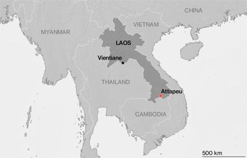 Đập bị vỡ ở Lào nằm gần biên giới phía bắc của Campuchia. Đồ họa: Bloomberg.