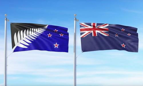 Hai mẫu cờ được New Zealand đưa ra trưng cầu dân ý vào năm 2016. Đa số người dân chọn giữ nguyên quốc kỳ (bên phải). Ảnh: Government of New Zealand.