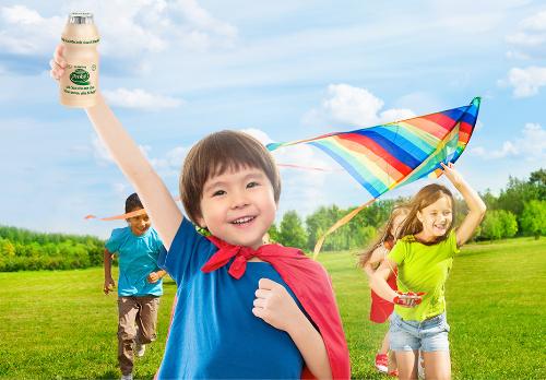 Sử dụng sữa chua uống Probi với hàng tỷ lợi khuẩn probiotic L.Casei 431 giúp bé tăng cường đề kháng, hạn chế cảm cúm hiệu quả.