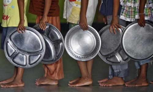 Liên Hợp Quốc cho biết gần 47 triệu trẻ em Ấn Độ bị thiếu dinh dưỡng kinh niên. Ảnh: Reuters.