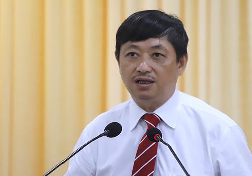 Ông Đặng Việt Dũng hứa với người dân sẽ cố gắng hết sức mình để hoàn thành nhiệm vụ mới. Ảnh: Nguyễn Đông.