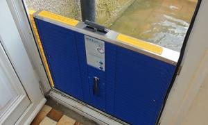 Tấm chắn di động ngăn nước lụt tràn vào nhà