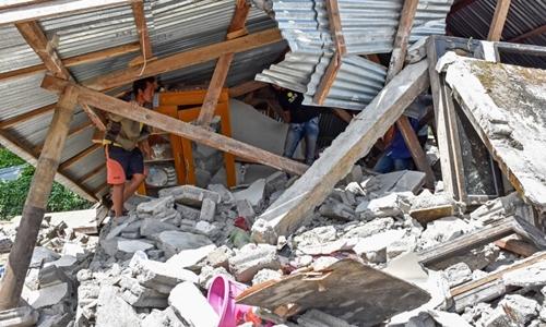 13 người thiệt mạng trong động đất 6,4 độ ở đảo nghỉ dưỡng Indonesia