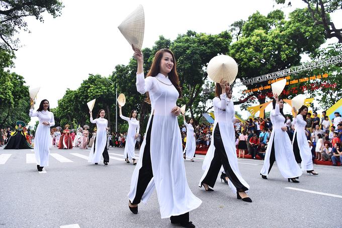 Празднование 10-летия Дня расширения территории Ханоя (ФОТО)