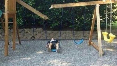 Trở về tuổi thơ thất bại.