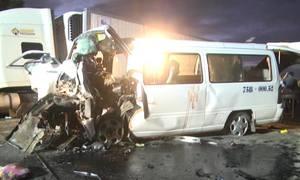 Xe rước dâu gặp tai nạn, chú rể và 12 người tử vong