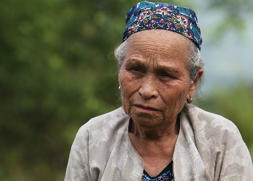 Bà Nhận đã đặt chân đến quảng trường Ba Đình sau 8 năm làm công dân thủ đô. Ảnh: Ngọc Thành.
