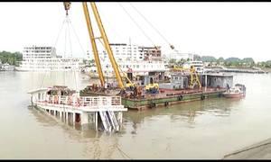 Tàu bị đắm tại cảng quốc tế Tuần Châu