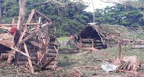 Trạm kiểm soát bị hư hại sau vụ đánh bom sáng 31/7. Ảnh: Rappler.